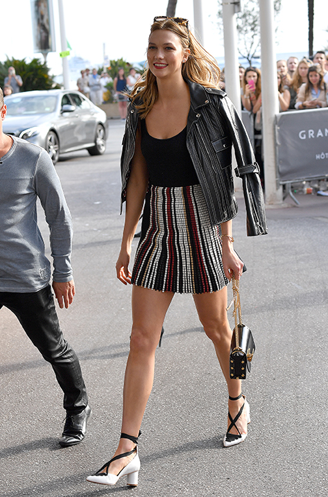 Karlie Kloss carrying Lockett Petite