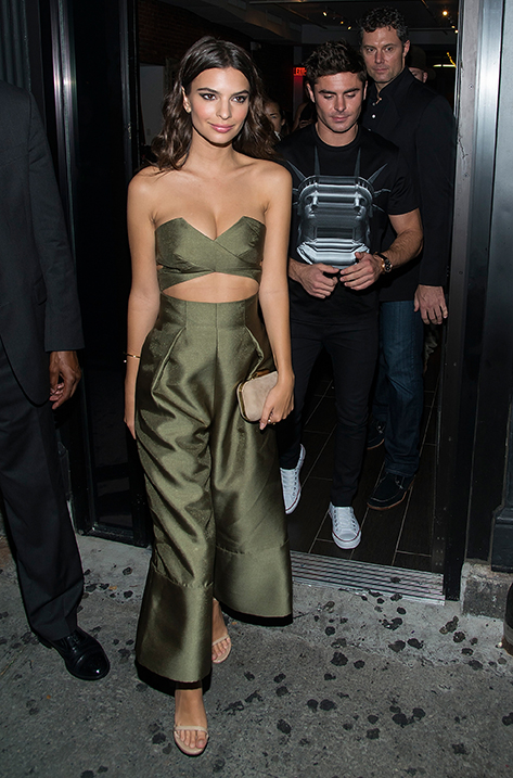 Emily Ratajkowski carrying Cloud